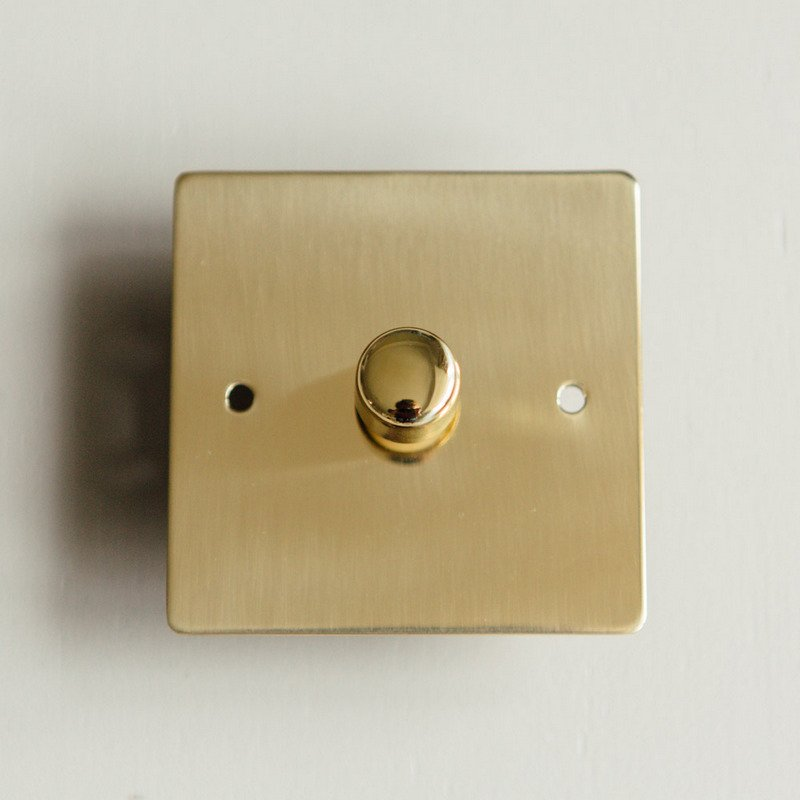 1 Gang Dimmer Switch - Polished Brass