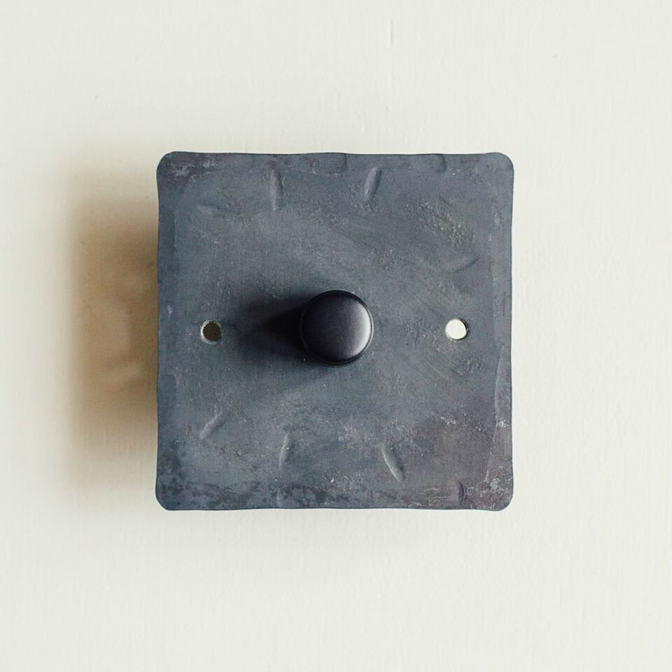 1 Gang Dimmer Switch - Black Waxed