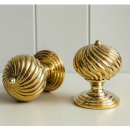 Swirl Design Door Knobs (Pair) - Brass