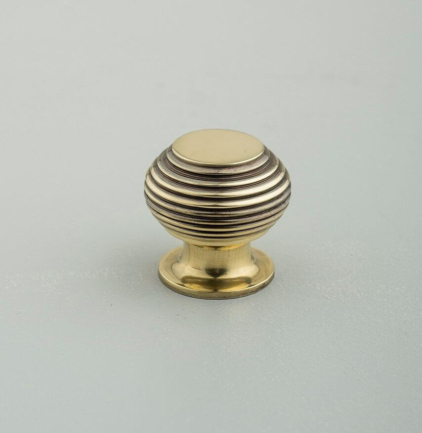 Super Beehive Small Cabinet Knob in Brass - Grace & Glory Home KX69