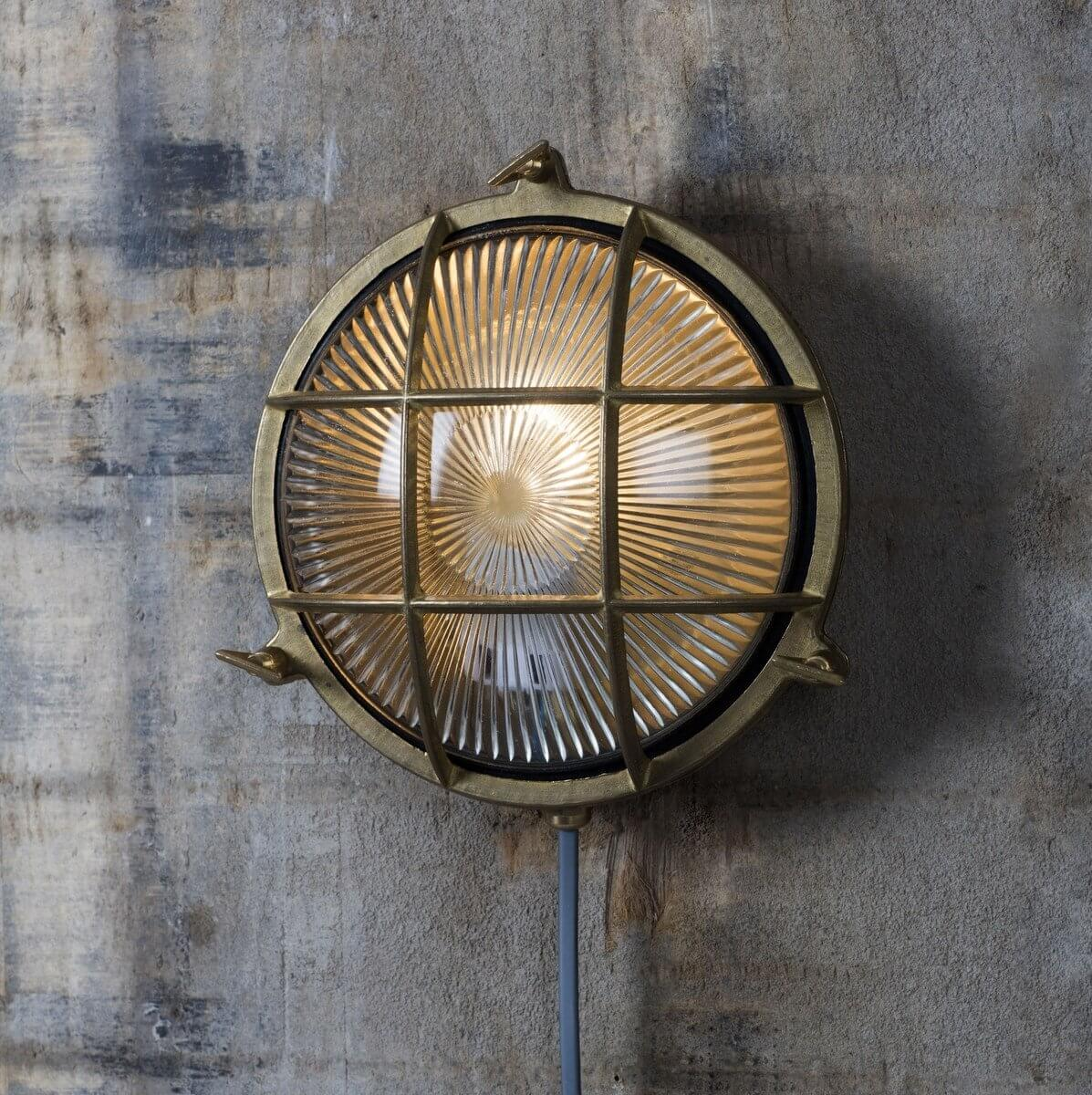 Brass Bulkhead Light Round