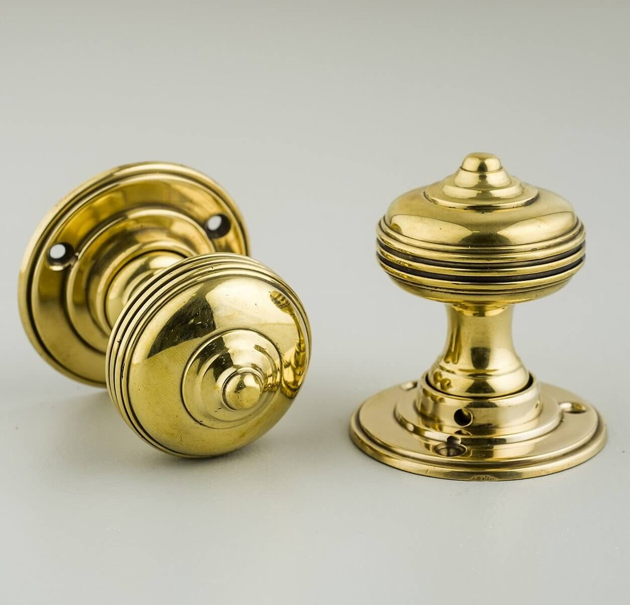 Queen Anne Regency Door Knobs (Pair) - Brass 25% - Only Two Left In Stock