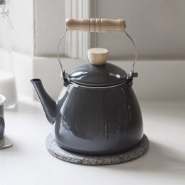 Enamel Stove Kettle in Charcoal